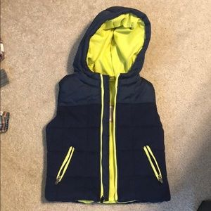 NWT navy hooded puffer vest 2t